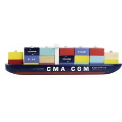 Schiff mit Stapelcontainern